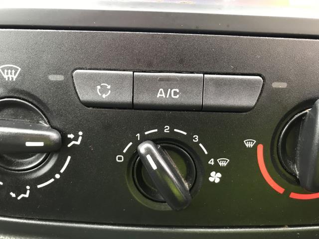 2018 Peugeot Partner L1 850 1.6BLUEHDI 100PS PROFESSIONAL EURO 6 (NV67OJS) Image 12