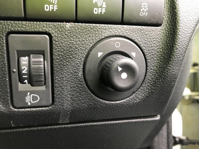 2018 Peugeot Partner L1 850 1.6BLUEHDI 100PS PROFESSIONAL EURO 6 (NV67OJS) Image 17