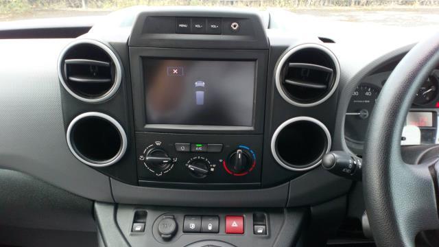 2018 Peugeot Partner 850 1.6 Bluehdi 100 Professional Van [Non Ss] (NV67OYA) Image 17