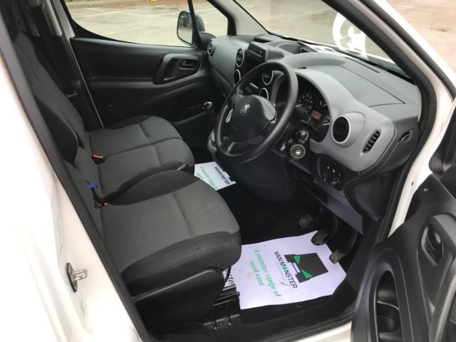 2018 Peugeot Partner 850 1.6 Bluehdi 100 Professional Van [Non Ss] Euro 6 (NV67OZT) Image 10