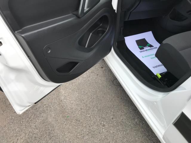 2018 Peugeot Partner 850 1.6 Bluehdi 100 Professional Van [Non Ss] Euro 6 (NV67OZT) Image 30