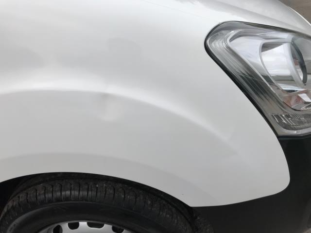 2018 Peugeot Partner 850 1.6 Bluehdi 100 Professional Van [Non Ss] Euro 6 (NV67OZT) Image 45