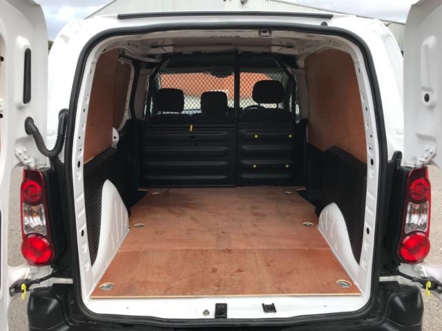 2018 Peugeot Partner 850 1.6 Bluehdi 100 Professional Van [Non Ss] Euro 6 (NV67OZT) Image 37