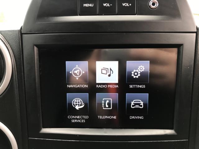 2018 Peugeot Partner 850 1.6 Bluehdi 100 Professional Van [Non Ss] Euro 6 (NV67OZT) Image 22