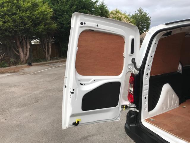 2018 Peugeot Partner 850 1.6 Bluehdi 100 Professional Van [Non Ss] Euro 6 (NV67OZT) Image 42