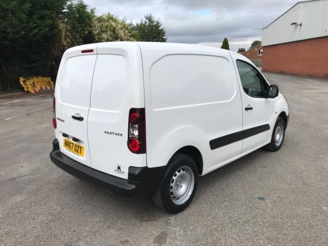 2018 Peugeot Partner 850 1.6 Bluehdi 100 Professional Van [Non Ss] Euro 6 (NV67OZT) Image 7