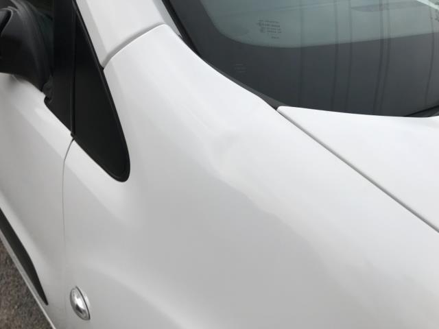 2018 Peugeot Partner 850 1.6 Bluehdi 100 Professional Van [Non Ss] Euro 6 (NV67OZT) Image 46