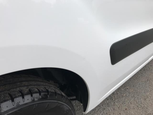2018 Peugeot Partner 850 1.6 Bluehdi 100 Professional Van [Non Ss] Euro 6 (NV67PCY) Image 41