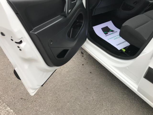 2018 Peugeot Partner 850 1.6 Bluehdi 100 Professional Van [Non Ss] Euro 6 (NV67PCY) Image 29