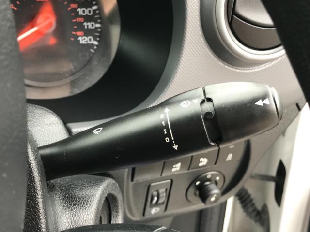 2018 Peugeot Partner 850 1.6 Bluehdi 100 Professional Van [Non Ss] Euro 6 (NV67PCY) Image 17