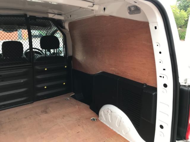 2018 Peugeot Partner 850 1.6 Bluehdi 100 Professional Van [Non Ss] Euro 6 (NV67PCY) Image 37