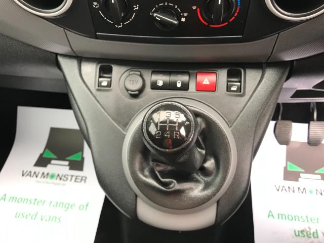 2018 Peugeot Partner 850 1.6 Bluehdi 100 Professional Van [Non Ss] Euro 6 (NV67PCY) Image 25