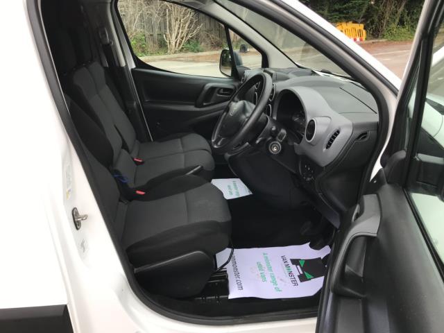 2018 Peugeot Partner 850 1.6 Bluehdi 100 Professional Van [Non Ss] Euro 6 (NV67PCY) Image 12