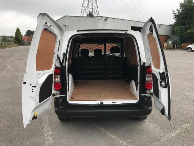 2018 Peugeot Partner 850 1.6 Bluehdi 100 Professional Van [Non Ss] Euro 6 (NV67PCY) Image 33