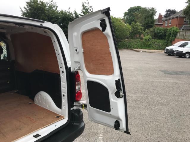 2018 Peugeot Partner 850 1.6 Bluehdi 100 Professional Van [Non Ss] Euro 6 (NV67PCY) Image 39