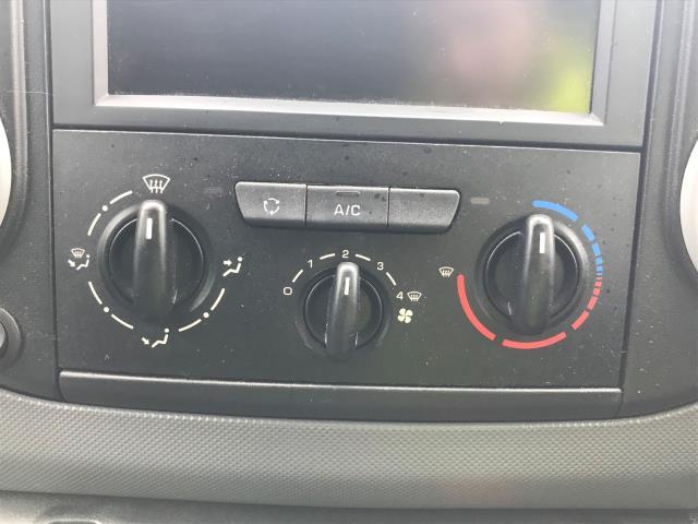 2018 Peugeot Partner L1 850 1.6 BLUEHDI 100 PROFESSIONAL (NON S/S)EURO 6 (NV67PFU) Image 19