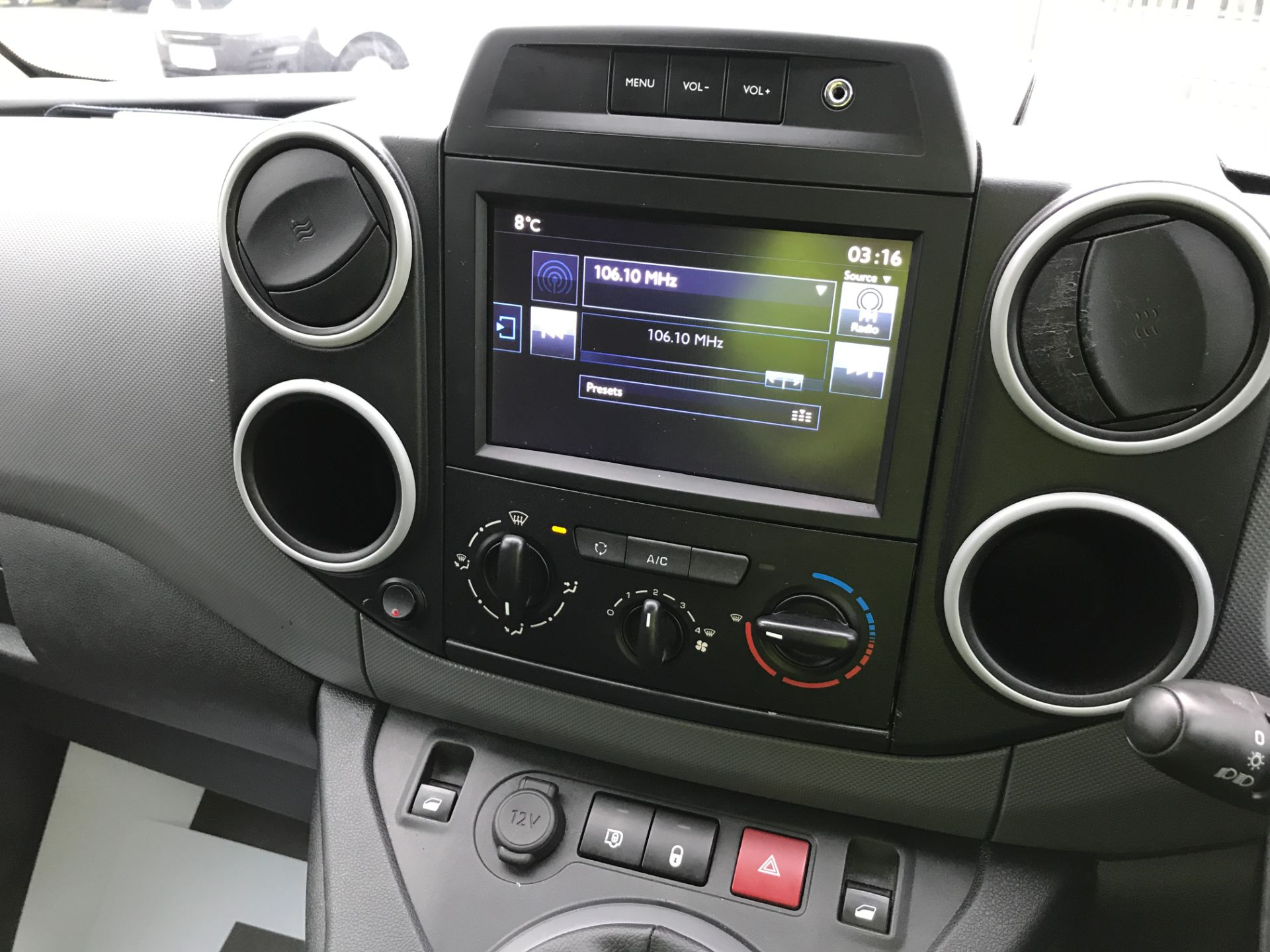 2018 Peugeot Partner L1 850 1.6BLUEHDI 100PS PROFESSIONAL EURO 6 (NV67PXC) Image 3