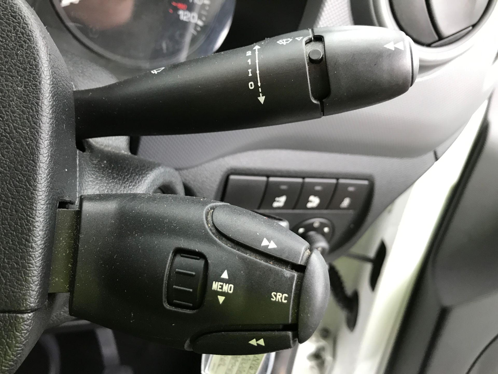 2018 Peugeot Partner L1 850 1.6BLUEHDI 100PS PROFESSIONAL EURO 6 (NV67PXC) Image 27
