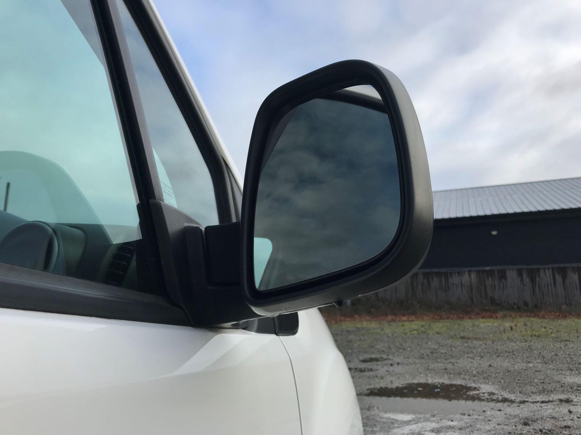 2018 Peugeot Partner  L2 715 S 1.6 BLUEHDI 100 CREW VAN EURO 6 *Restricted to 70MPH* (NV67PZC) Image 15