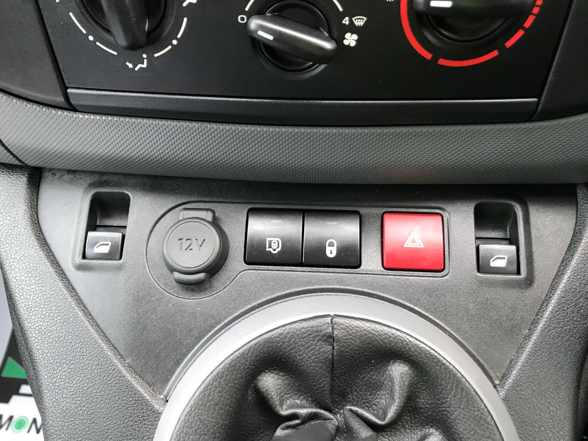 2018 Peugeot Partner  L2 715 S 1.6 BLUEHDI 100 CREW VAN EURO 6 *Restricted to 70MPH* (NV67PZC) Image 34