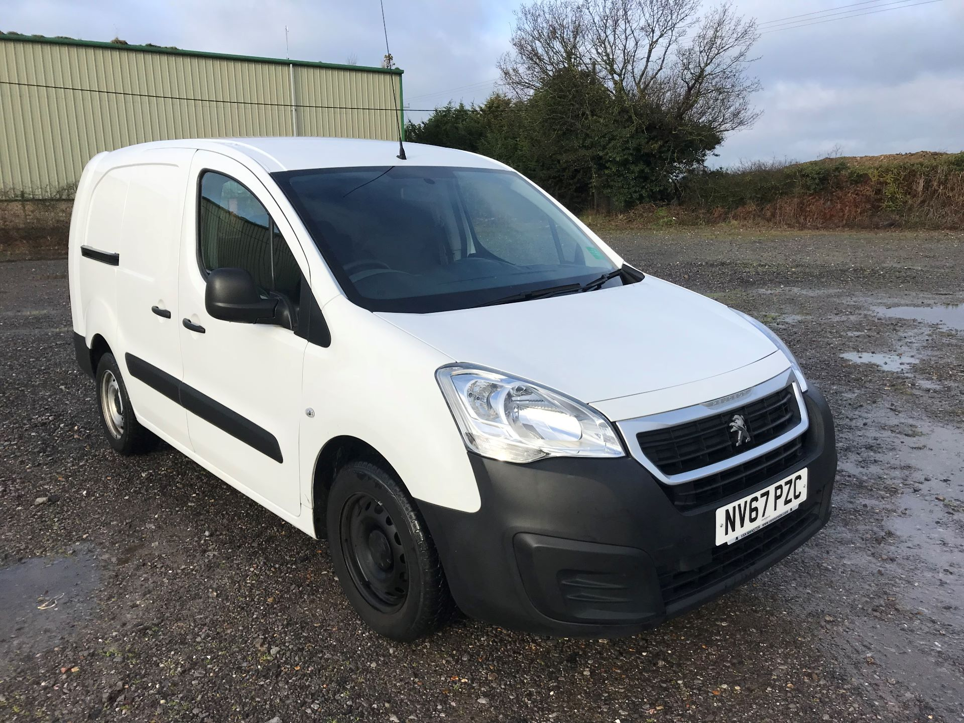 2018 Peugeot Partner  L2 715 S 1.6 BLUEHDI 100 CREW VAN EURO 6 *Restricted to 70MPH* (NV67PZC)