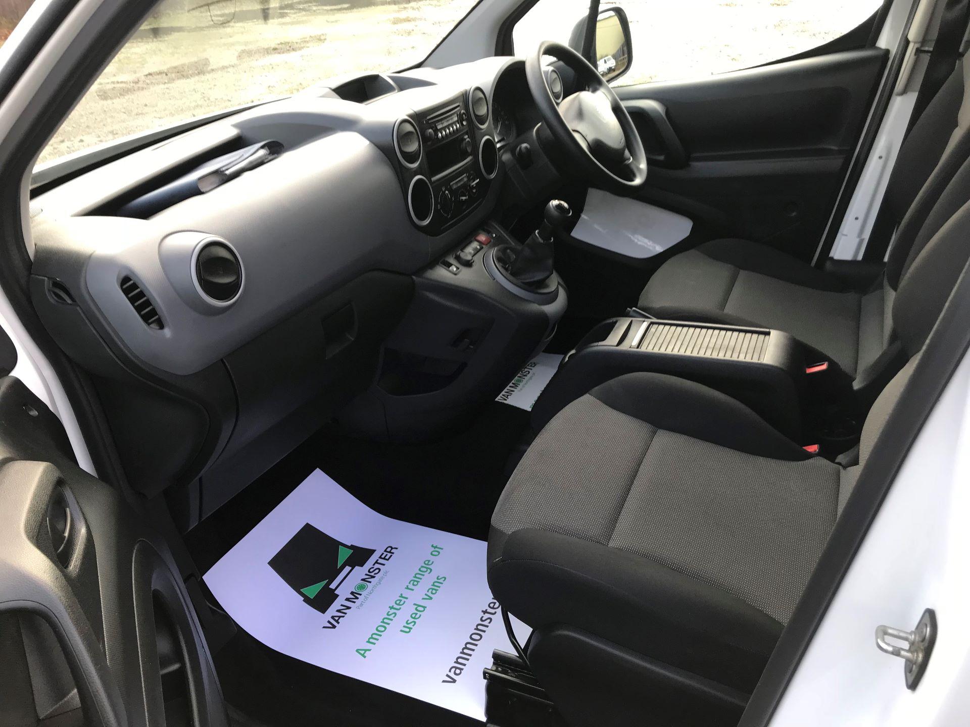 2018 Peugeot Partner  L2 715 S 1.6 BLUEHDI 100 CREW VAN EURO 6 *Restricted to 70MPH* (NV67PZC) Image 25