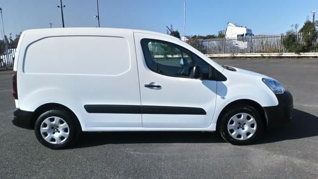 2018 Peugeot Partner 850 1.6 Bluehdi 100 Professional Van [Non Ss] Limited To 70MPH  (NV67UFP) Image 8