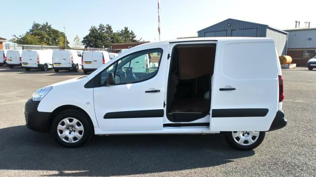 2018 Peugeot Partner 850 1.6 Bluehdi 100 Professional Van [Non Ss] Limited To 70MPH  (NV67UFP) Image 9