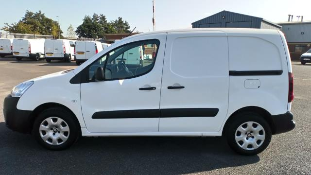 2018 Peugeot Partner 850 1.6 Bluehdi 100 Professional Van [Non Ss] Limited To 70MPH  (NV67UFP) Image 4