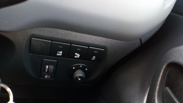2018 Peugeot Partner 850 1.6 Bluehdi 100 Professional Van [Non Ss] (NV67UGL) Image 21