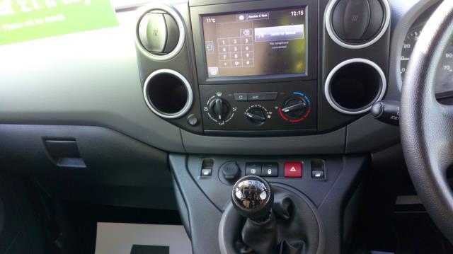2018 Peugeot Partner 850 1.6 Bluehdi 100 Professional Van [Non Ss] (NV67UGL) Image 18