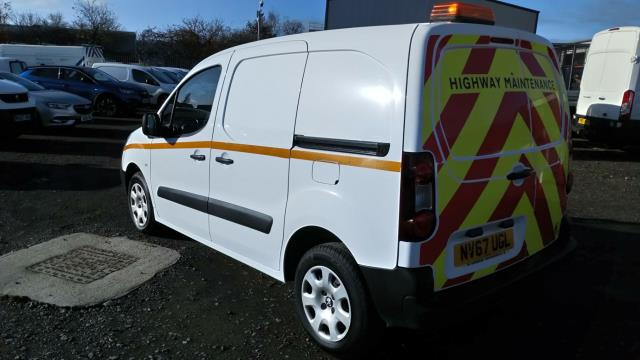 2018 Peugeot Partner 850 1.6 Bluehdi 100 Professional Van [Non Ss] (NV67UGL) Image 5
