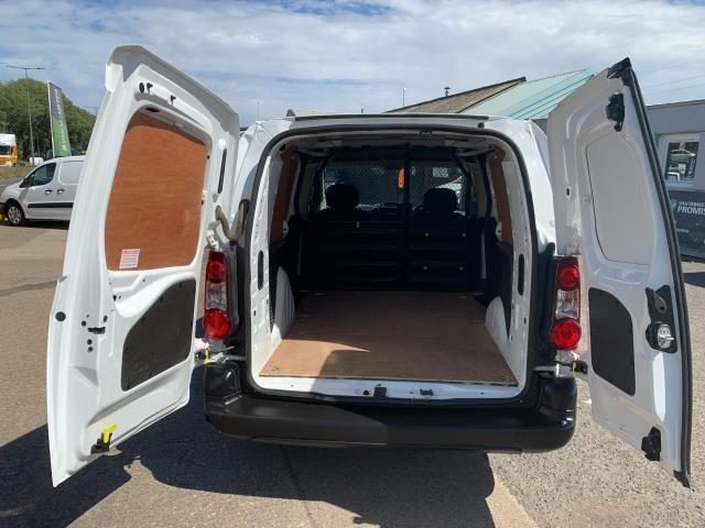 2018 Peugeot Partner L2 750 S 1.6 Blue HDI 100 Van (Non S/S) Euro 6 (NV67UOT) Image 10