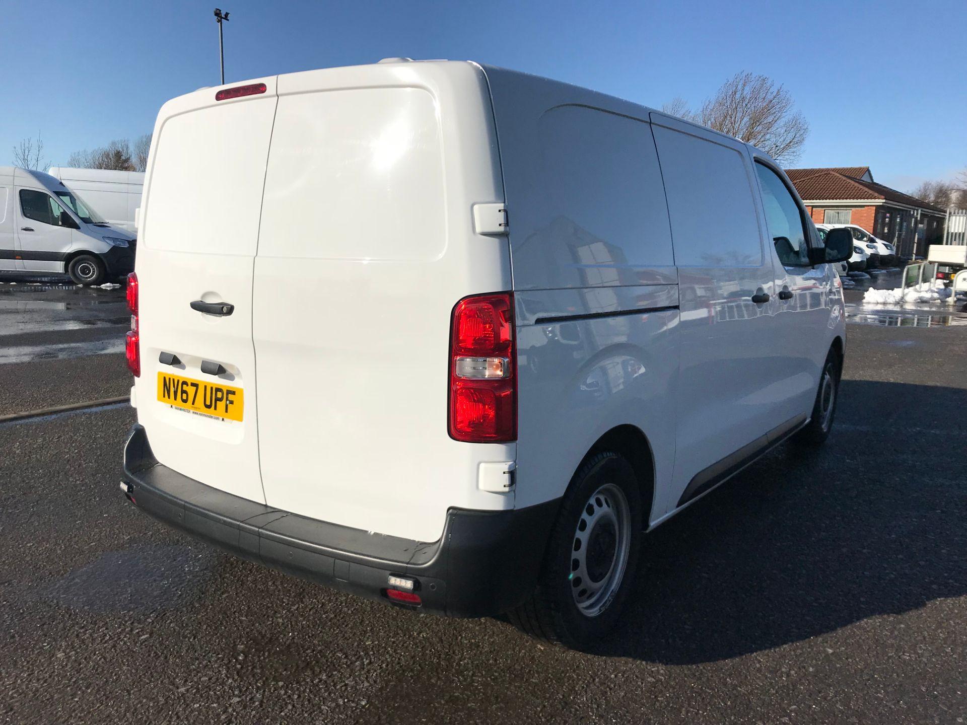 2018 Peugeot Expert 1000 1.6 Bluehdi 95 Professional Van (NV67UPF) Image 7