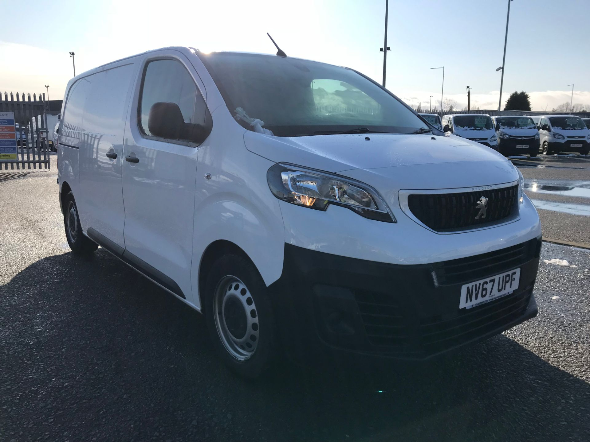 2018 Peugeot Expert 1000 1.6 Bluehdi 95 Professional Van (NV67UPF)
