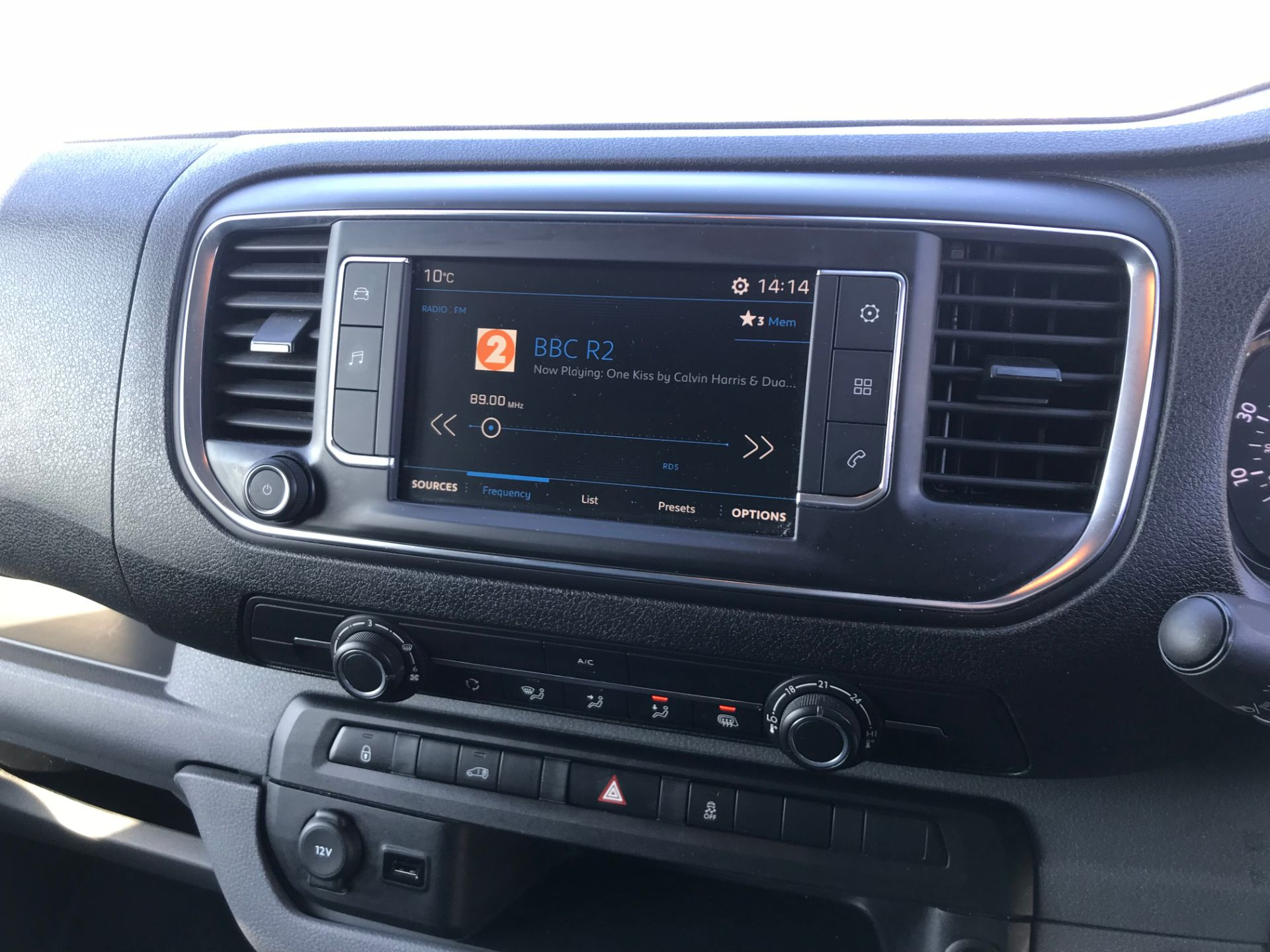 2018 Peugeot Expert 1000 1.6 Bluehdi 95 Professional Van (NV67UPF) Image 13