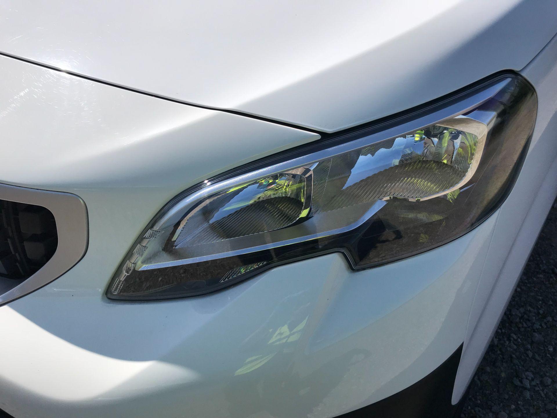 2018 Peugeot Expert STANDARD 1000 1.6 BLUEHDI 95 PROFESSIONAL EURO 6 (NV67UPN) Image 39