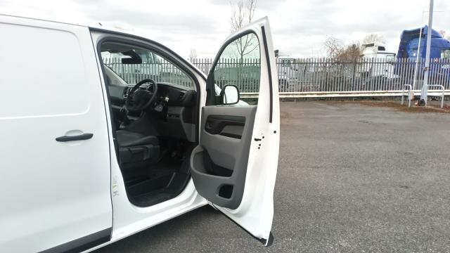 2018 Peugeot Expert 1000 1.6 Bluehdi 95 Professional Van (NV67UXJ) Image 14
