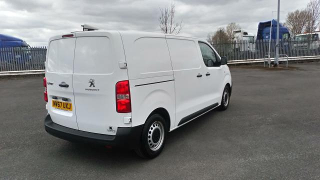 2018 Peugeot Expert 1000 1.6 Bluehdi 95 Professional Van (NV67UXJ) Image 7