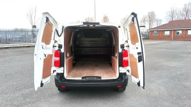 2018 Peugeot Expert 1000 1.6 Bluehdi 95 Professional Van (NV67UXJ) Image 10