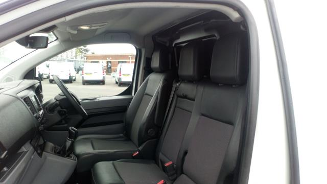 2018 Peugeot Expert 1000 1.6 Bluehdi 95 Professional Van (NV67UXJ) Image 15