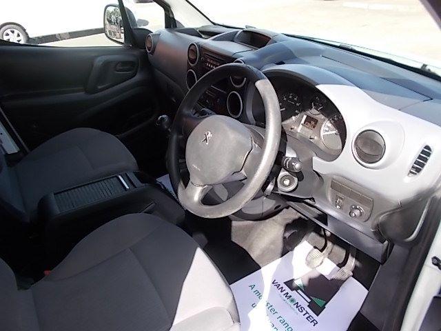 2014 Peugeot Partner L1 850 S 1.6 92PS (SLD) EURO 5 (NX14VBJ) Image 19