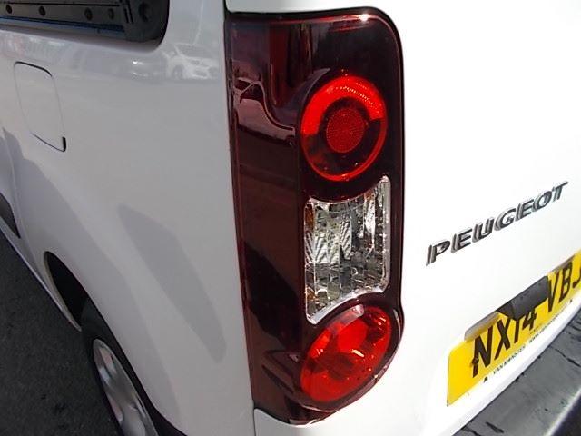 2014 Peugeot Partner L1 850 S 1.6 92PS (SLD) EURO 5 (NX14VBJ) Image 11