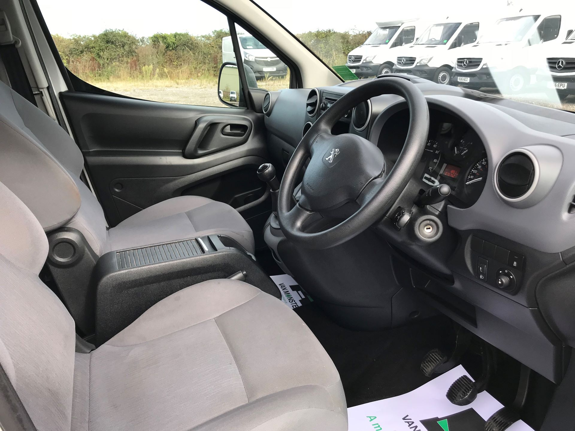 2015 Peugeot Partner L1 850 S 1.6 92PS (SLD) EURO 5 (NX15HGD) Image 22