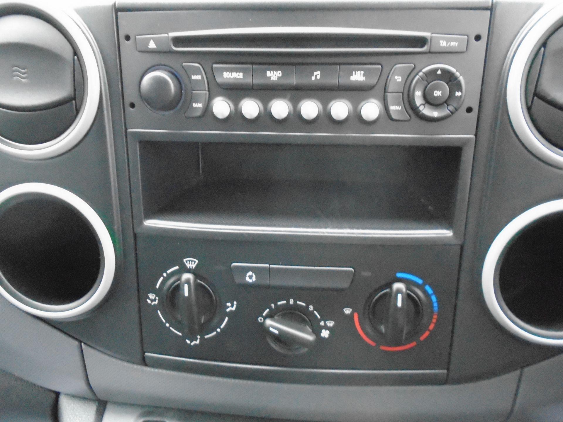 2015 Peugeot Partner L1 850 S 1.6 92PS (SLD) EURO 5 (NX15HGG) Image 22