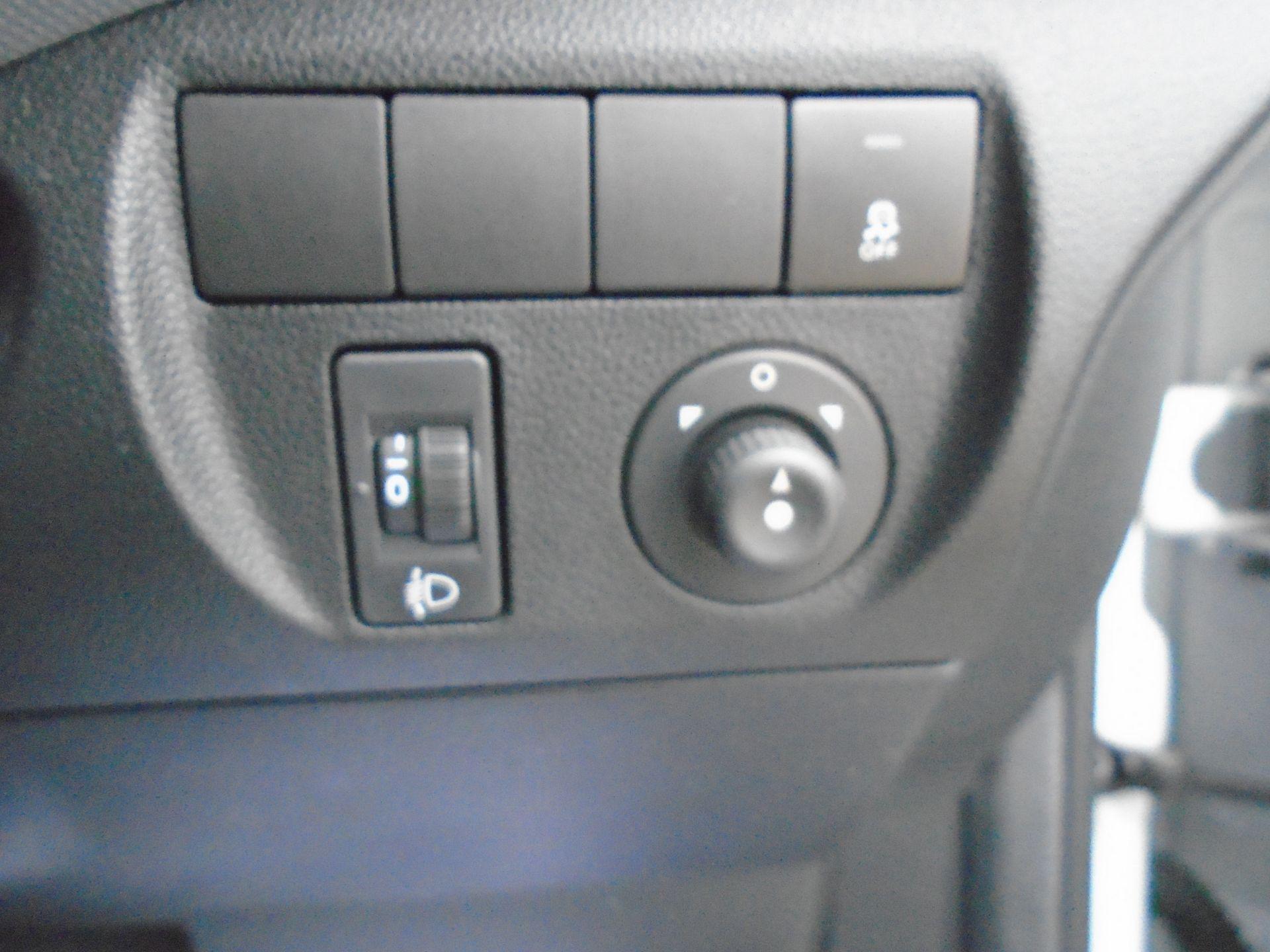 2015 Peugeot Partner L1 850 S 1.6 92PS (SLD) EURO 5 (NX15HGG) Image 19