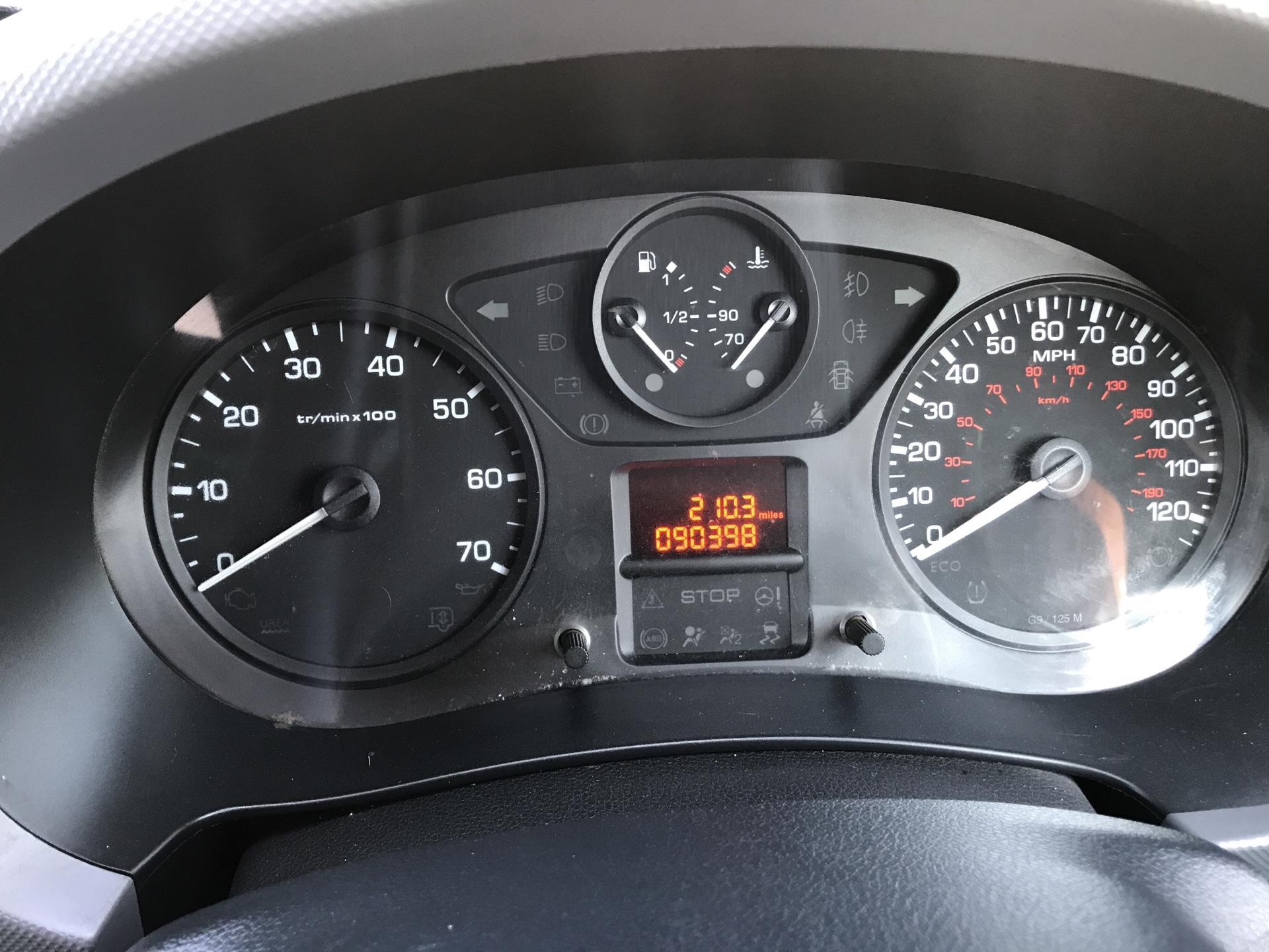 2015 Peugeot Partner L1 850 S 1.6 92PS (SLD) EURO 5 (NX15XEA) Image 13