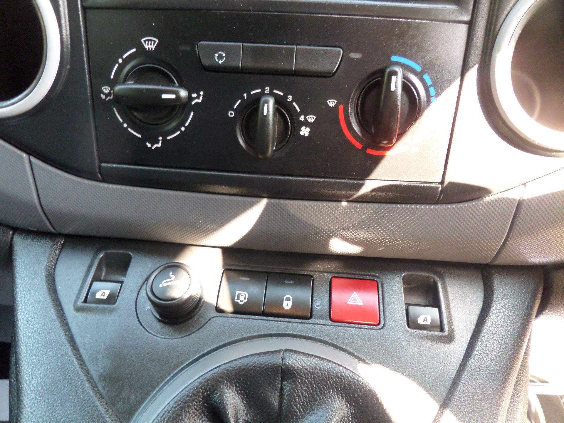 2015 Peugeot Partner 850 S 1.6 Hdi 92 Van [Sld] Euro 5 (NX15ZLK) Image 14