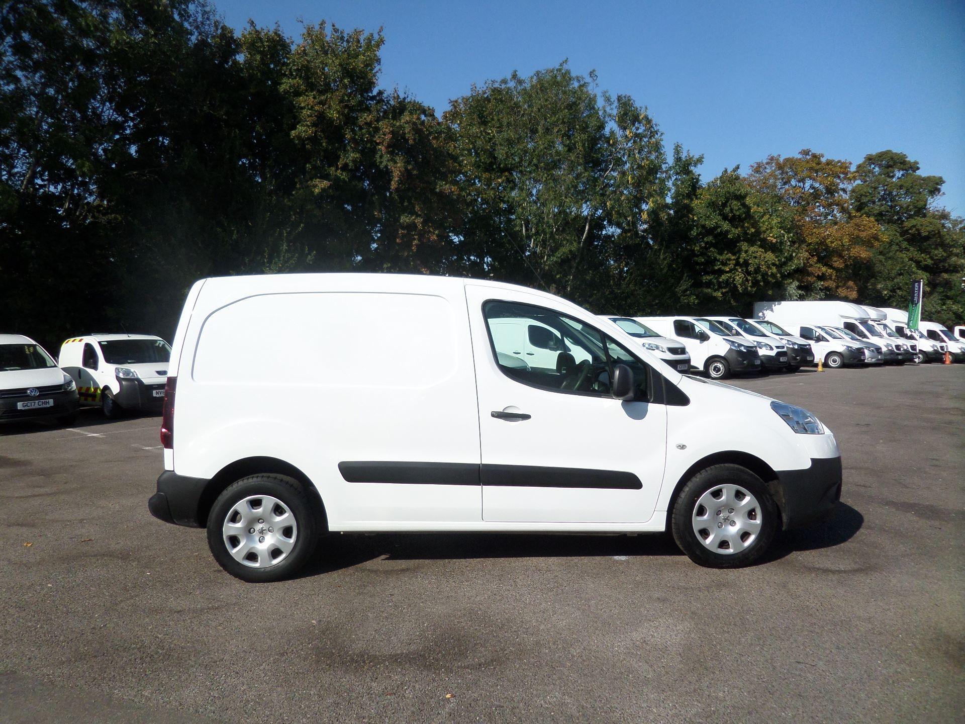 2015 Peugeot Partner 850 S 1.6 Hdi 92 Van [Sld] Euro 5 (NX15ZLK) Image 2