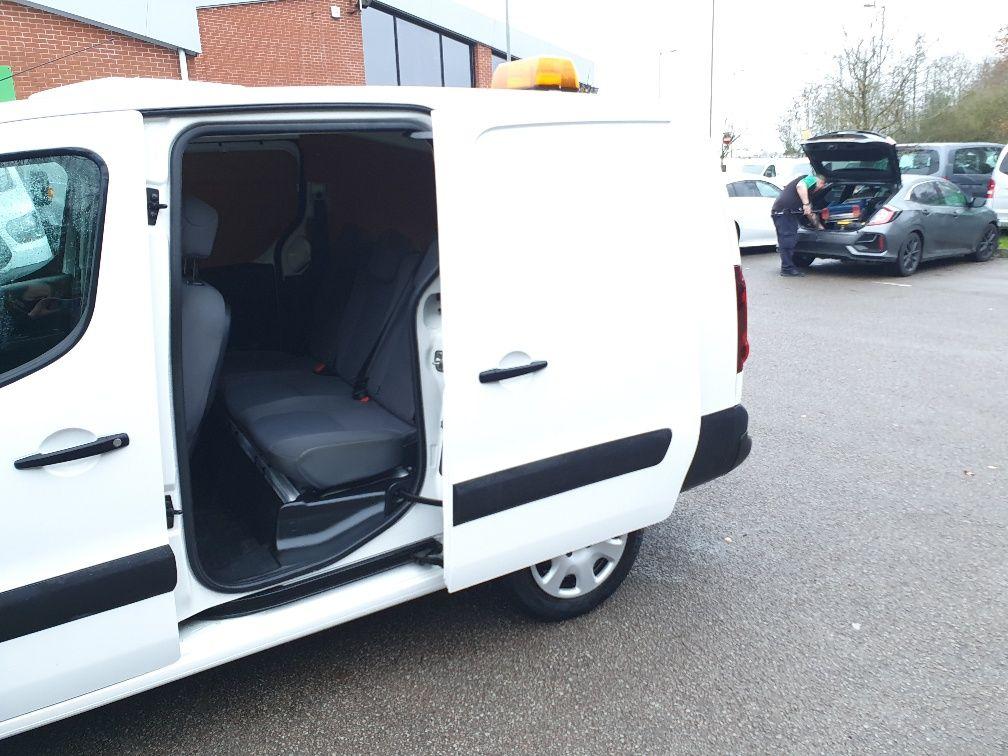 2016 Peugeot Partner 715 S 1.6 Hdi 92 Crew Van (NX16XXF) Image 16